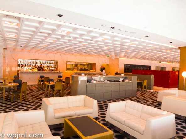 Qantas First Class Lounge Melbourne - Restaurant