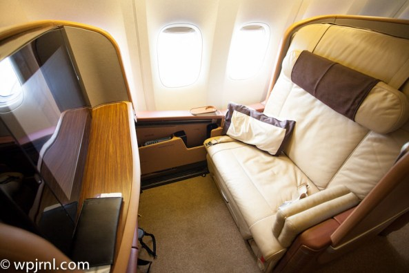 Singapore Airlines First Class SQ211 SIN-SYD Boeing 777-300 (773) - Window Seat