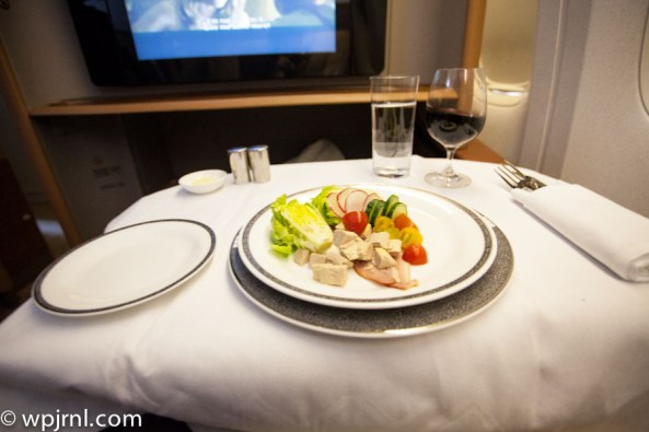Singapore Airlines First Class SQ211 SIN-SYD Boeing 777-300 (773) - Lunch