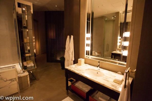 Park Hyatt Shanghai Diplomatic Suite - Bathroom