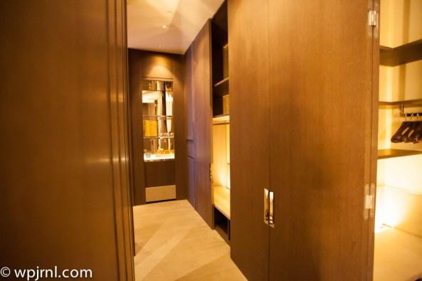 Park Hyatt Shanghai Diplomatic Suite - halway