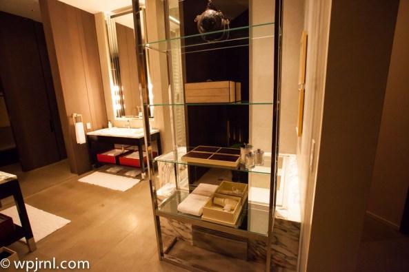 Park Hyatt Shanghai Diplomatic Suite - main bathroom