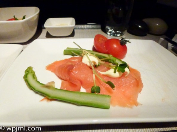 CX710 CMB-SIN Business Class - Salmon Entree