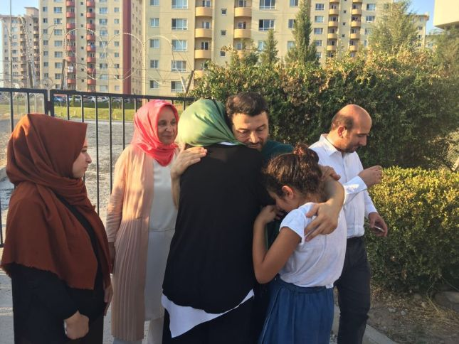 Following his periodic review Taner K��l���� was released from prison in Izmir. Taner is free on bail, but the charges against him still stand. ��Amnist��a Internacional