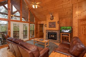 Wildlife Retreat living room
