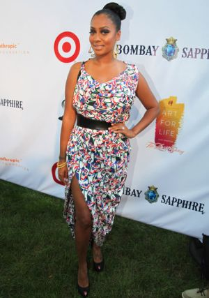 Jennifer Hudson shwos the success of her weight loss
