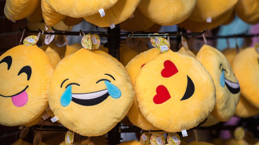 New Plugin Adds Emoji Reactions to the BuddyPress Activity Stream