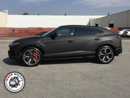 Lamborghini Urus Deep Matte Black Wrap