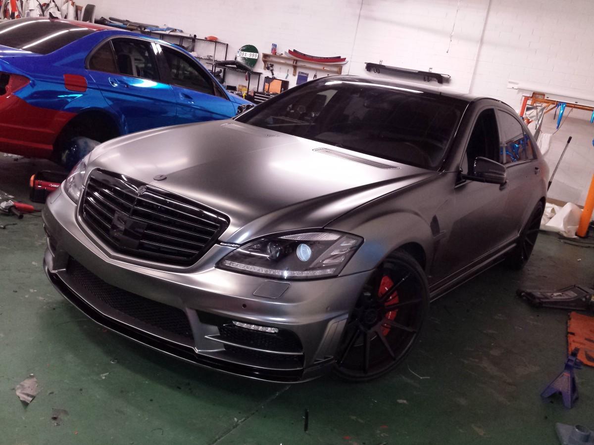 Frozen black chrome wrap mercedes benz s63 wrapfolio for Mercedes benz chrome