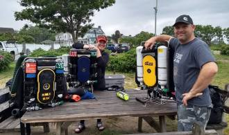 rEvo rebreathers at Old Garden Beach