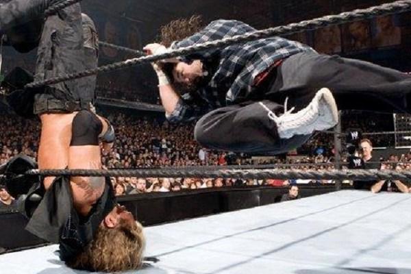 Edge's Greatest Matches: Vs Mick Foley at Wrestlemania XXII