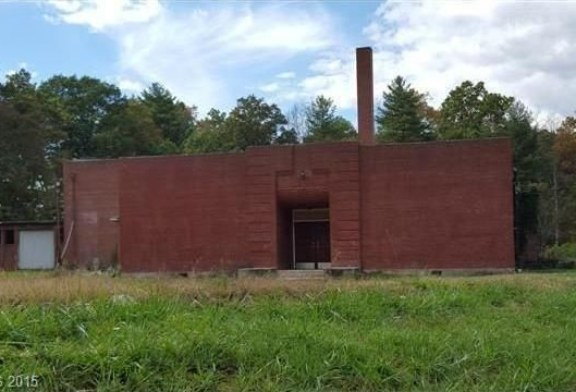 Gladys Knight and William McDowell build Reynolds Community Center
