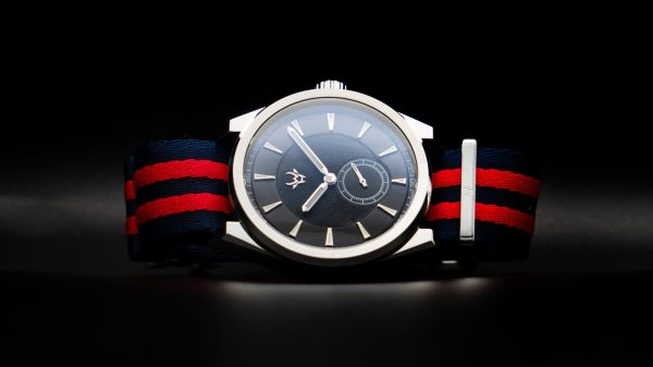 Wrist-Hardware-Skipper-Obsidian-Paramo-military-dive-watch-waterproof-skipper-strap-band