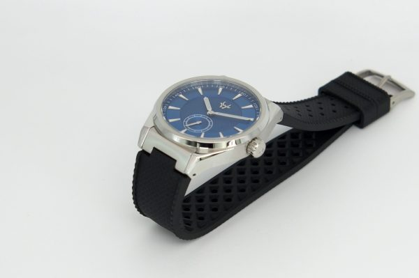 patagonia-blue-wrist-hardware-swiss-watch-movement-paramo-rubber-strap-fkm-tropical-style-316l-steel-buckle