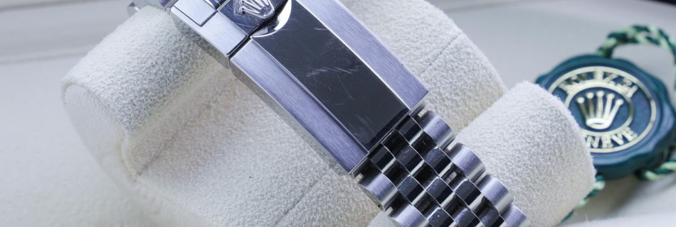 How to Protect your Watch from Scratches