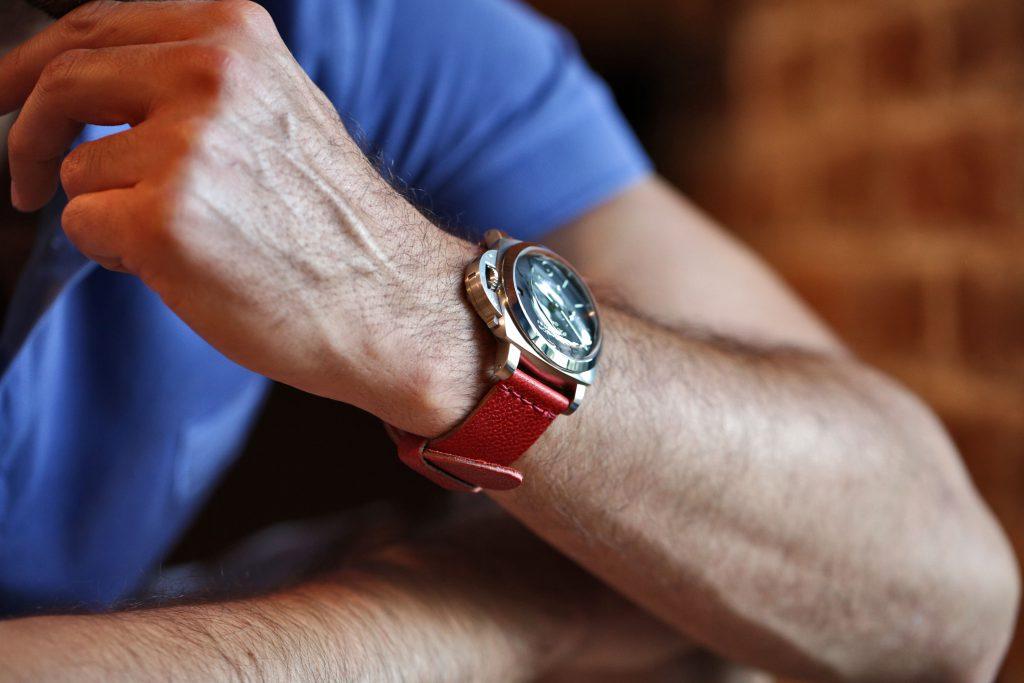 watch-strap-red-latigo-pam233-close-up-3