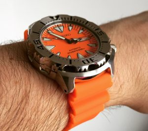 The Seiko Orange Monster looks great on a rubber strap