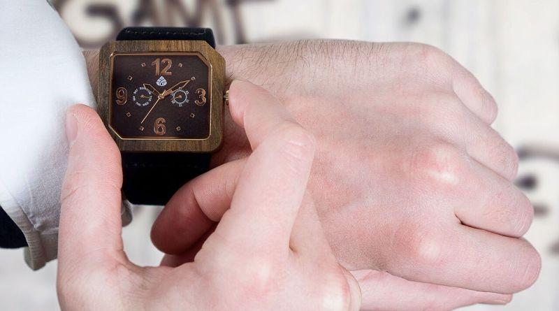 Leafwood wooden watch
