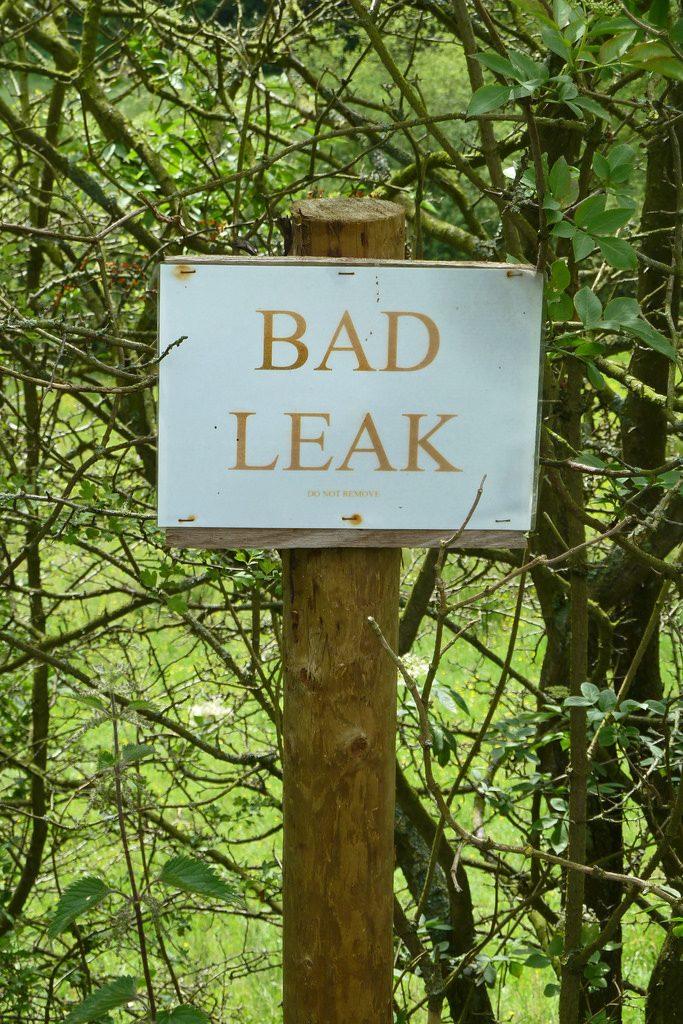 Image, sign saying toxic leak.
