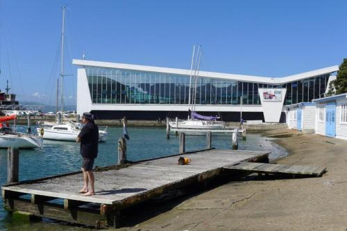 Freyberg Pool and Fitness Centre. Senior-friendly and a glorious building. Photo shared from Architecture.org.nz.