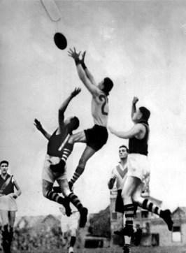Bob Pratt kicked 150 in 1934