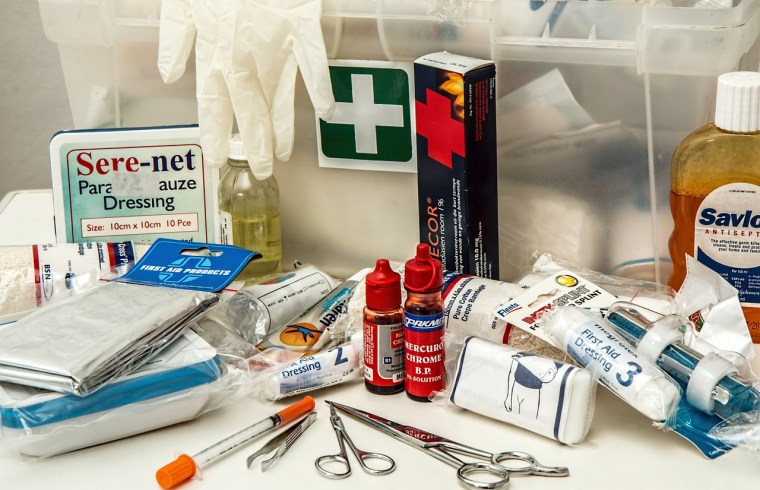 4 Situations Where You Should Have a First Aid Kit