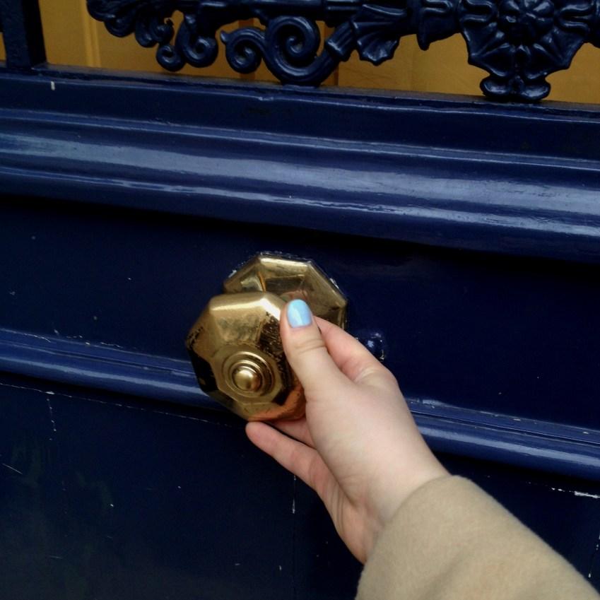 #Жизнькакжизнь: двери Парижа