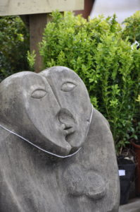 Wordless Wednesday, kissing, garden centre, spring, stone decoration, stone sculpture