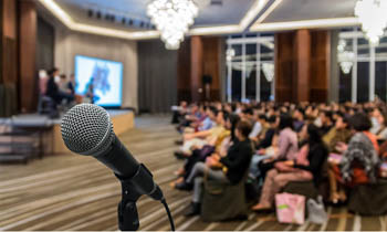 Benefits Of Public Speaking: 7 Useful Advantages