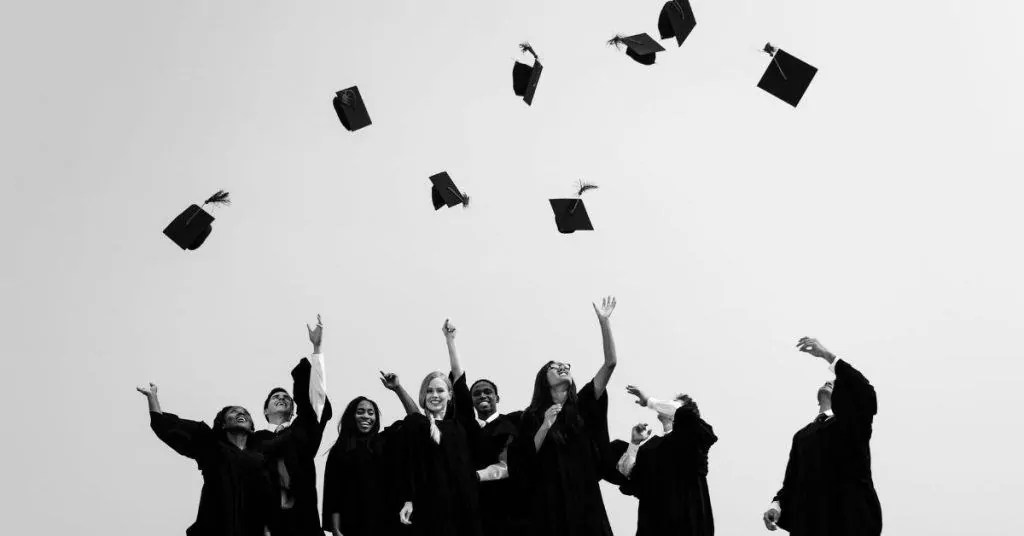 get paid to write online college