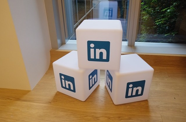 Use LinkedIn to Snag Writing Jobs By Susan Thwing