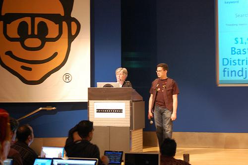 Speaking at Gnomedex (photo: Alberto Serafin Lopez)