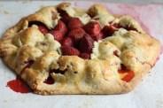 free form strawberry tart recipe | writes4food.com