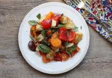 heirloom tomato and bean panzanella salad recipe | writes4food.com