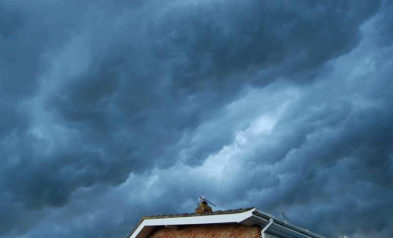 A Dissipating Thunderstorm over Kent (U.K.), 2008