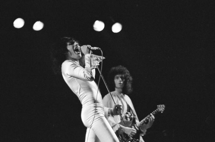 Queen 2_Hammersmith Odeon_(c)Douglas Puddifoot