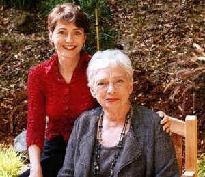 Mary Ann Shaffer and her niece Annie Barrows