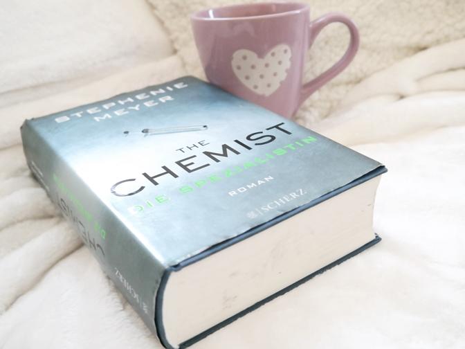 The Chemist Stephenie Meyer