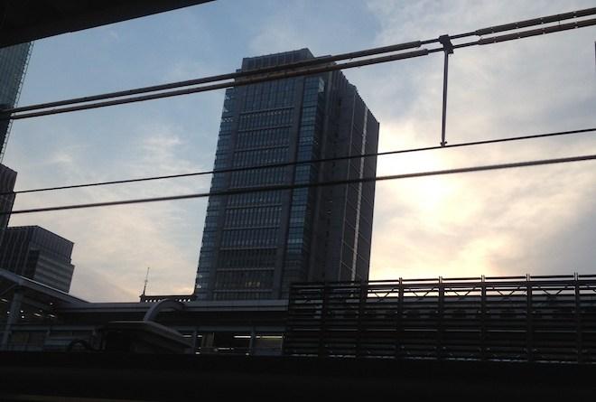 夕方の丸ビル