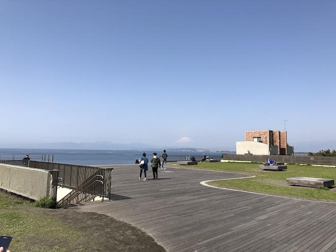 片瀬海岸からの富士山
