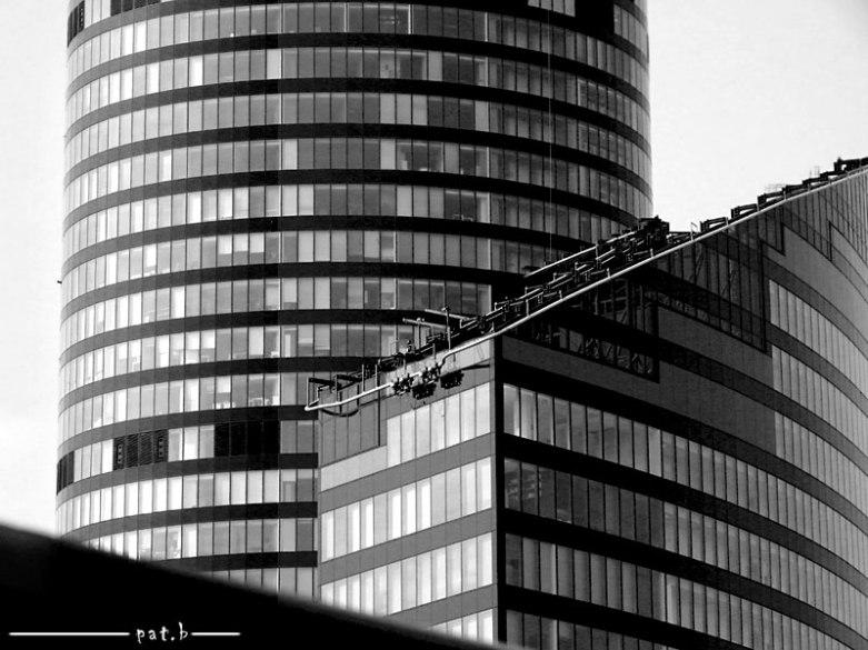 Sky Tower biurowiec