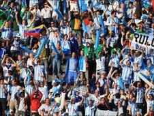 Torcedores argentinos durante jogo em Johannesburgo no dia 12 de  julho