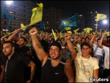 Libaneses participam de comício em apoio ao líder do Hezbollah na terça-feira
