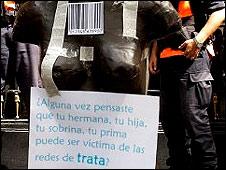 Manifestantes en contra de la trata de blancas