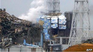 Поврежденные реакторы на японской АЭС