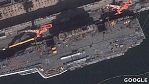 Vista aérea del portaviones chino