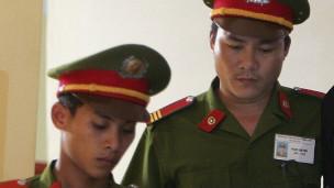 Báo chí Việt Nam hay đưa tin về công an (hình minh họa không liên quan đến vụ tại Long An )