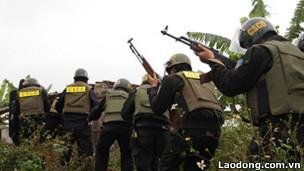 Lực lượng cảnh sát tham gia vụ cưỡng chế thu hồi đất