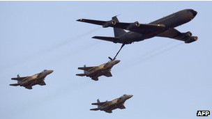 Recarga de aviones F-15 israelíes