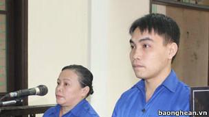 Bà Võ Thị Thu Thủy và ông Nguyễn Văn Thanh (ảnh: Báo Nghệ An)